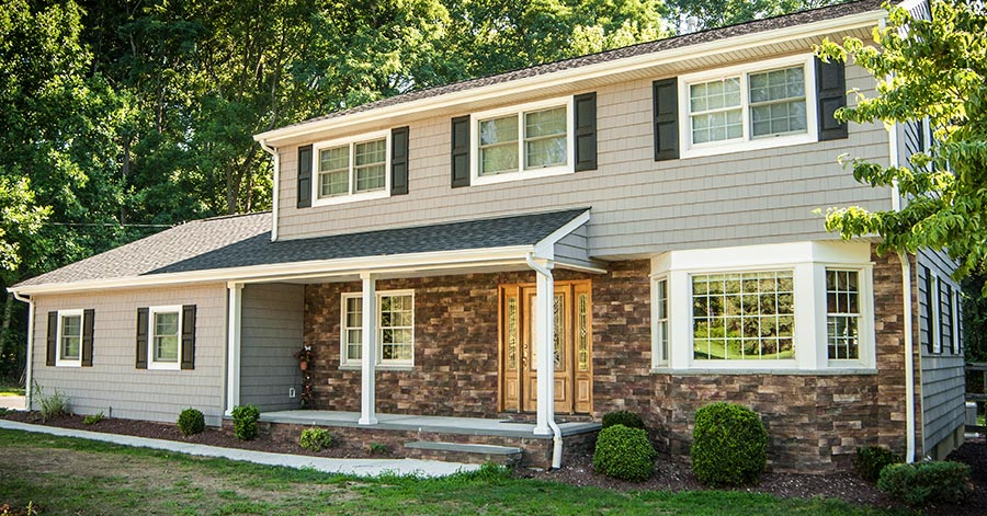 The benefits of modern vinyl siding save the big house for Lp smart siding pros and cons