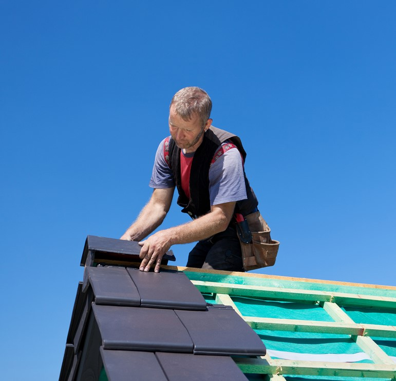 WHY IT'S CRITICAL TO MAINTAIN THE CLEANLINESS OF YOUR ROOF