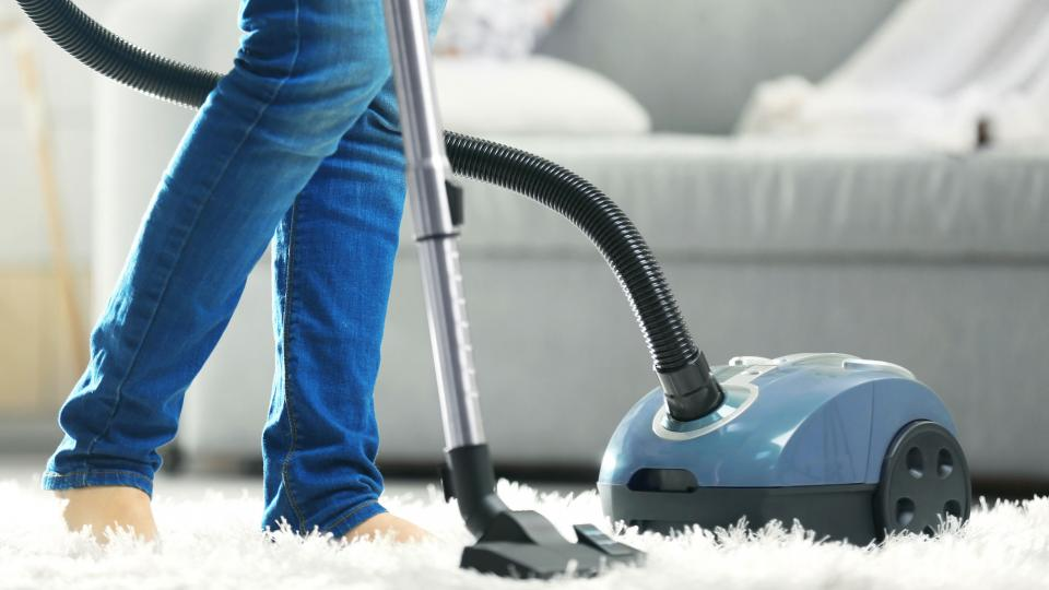 Why Opt For Professional Cleaners in Dubai Is a Better Option Than DIY Cleaning?