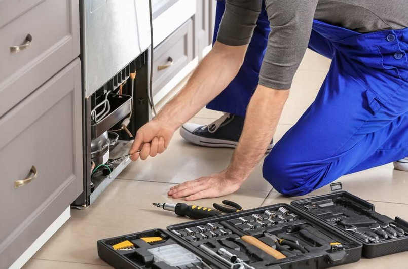 How to Tell If You Need Fridge Repair Service