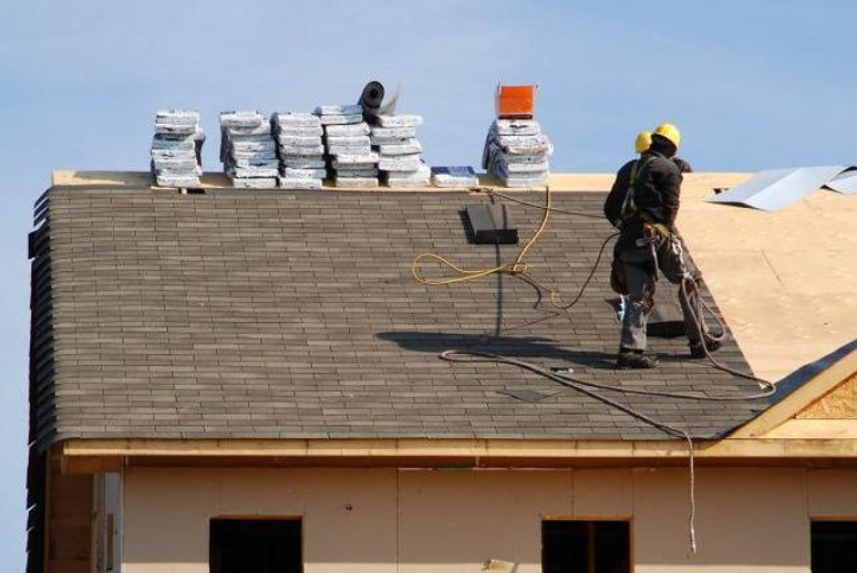 How to Fix Your Roof the Right Way